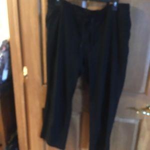 Karen Scott pants size 1X. In good condition